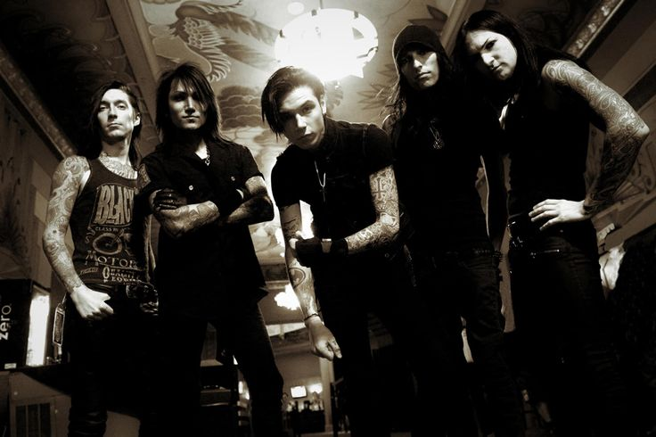 Black Veil Brides Unleash New Track 'The Outsider'  Black Veil Brides have just unleashed a Christmas gift for fans.   Continue reading…  http://loudwire.com/black-veil-brides-the-outsider/