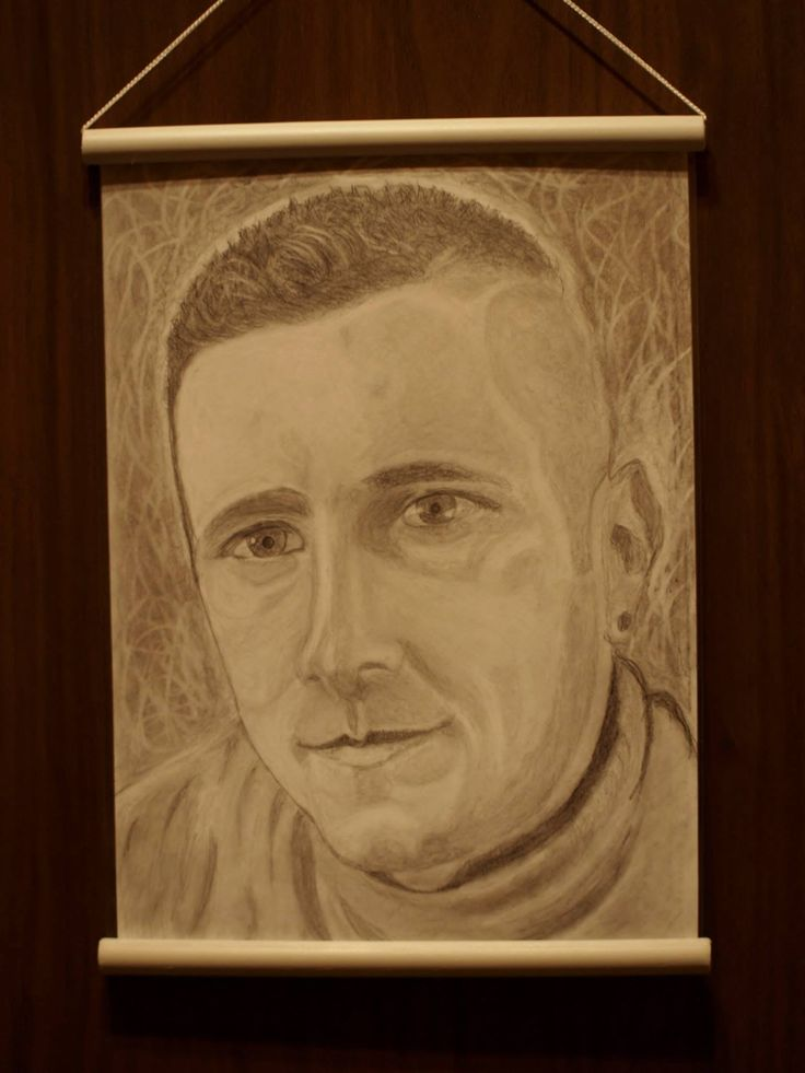 Portrete creionate dupa fotografii. Format A3 si A4.Tel. 0040754216355 , Adrian.