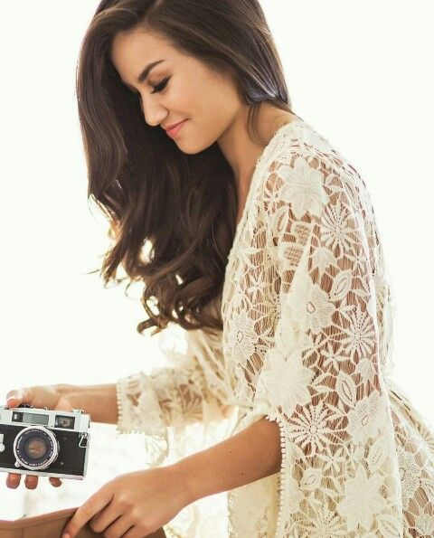 Do a photo shoot with someone famous! Caila Quinn? She's from  Ohio!