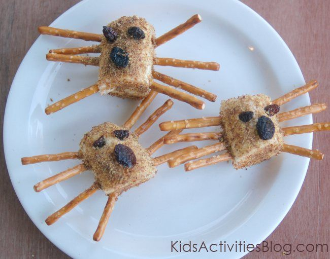 Try this super cute spider snack!  It is food art at its easiest!  Here at Kids Activities Blog, playing with food is always allowed.  We hope you find this adorable food art spider snack something that your kids will beg to eat {and it might even be healthy…shhhh}. Bugs. I have a toddler who loves …