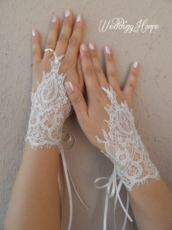 Wedding glove ivory lace glove special lace glove by WEDDINGHome, $45.00