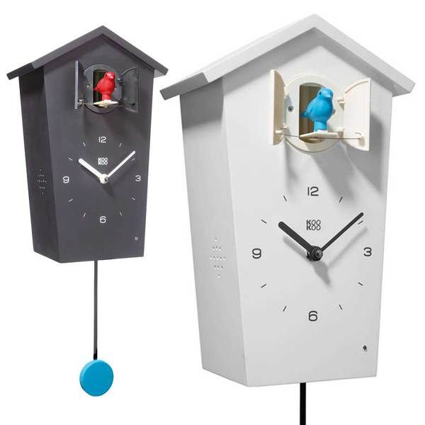 Modern German cuckoo clock BirdHouse, calls the hour with 13 different genuine…