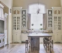 kitchen: Interior Design, White Kitchen, Cabinet, Kitchen Design, Dreamkitchen, House, Kitchen Ideas, French Country Kitchens, Dream Kitchens