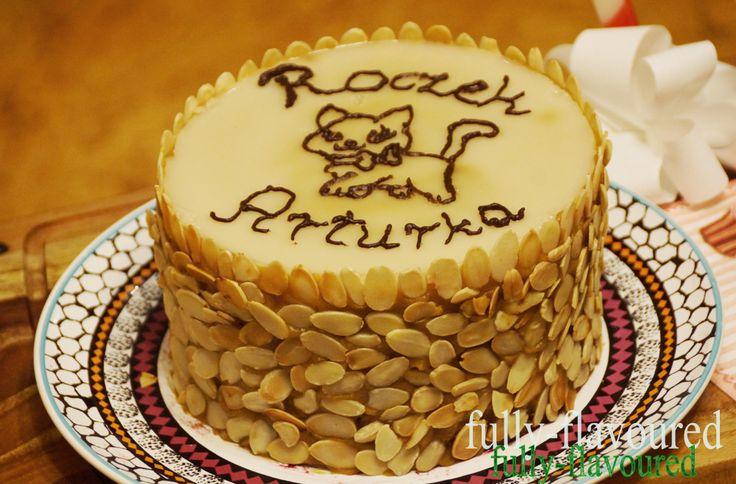fully-flavoured: Zdrowy tort urodzinowy (idealny również dla dzieci) - bez cukru, glutenu i nabiału