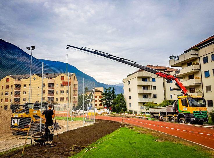 Mercedes Benz Arocs Truck with Fassi load crane, winch work