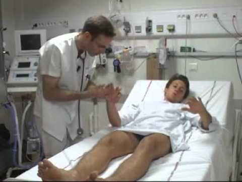 """""""L'examen clinique"""": vidéo utilisée dans le travail final du cours ROM2620 """"Acquisition d'une langue seconde ou étrangère"""" (UCL, Belgique - Université de Hanoi, Vietnam). Se prête à l'exploitation en classe de français médical."""