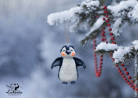 """Купить Елочная игрушка"""" Пингвичик """" - пингвин, войлок, Новый Год, игрушка, елочная игрушка"""