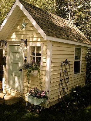 Someday I will turn my ugly shed into this beautiful shed!!
