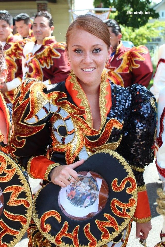 Caporales San Simon danza de Bolivia