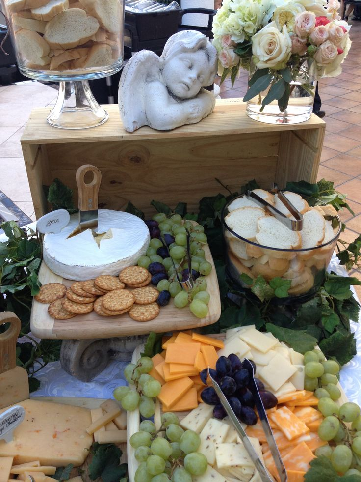 Wedding Appetizers. Cheese Display. Brie and Baguette . Grapes,