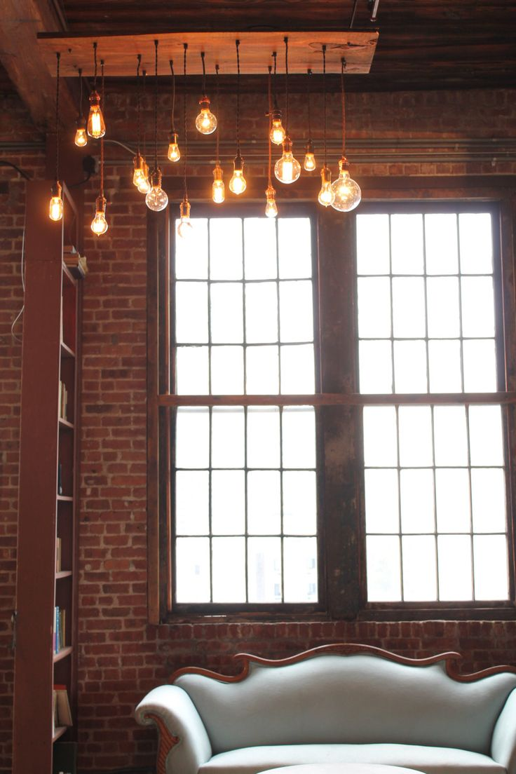 Teardrop st64 william and watson vintage edison bulb industrial light - Neat Look Reclaimed Barn Wood Chandelier With Varying Suspended Edison Bulbs Urbanchandy