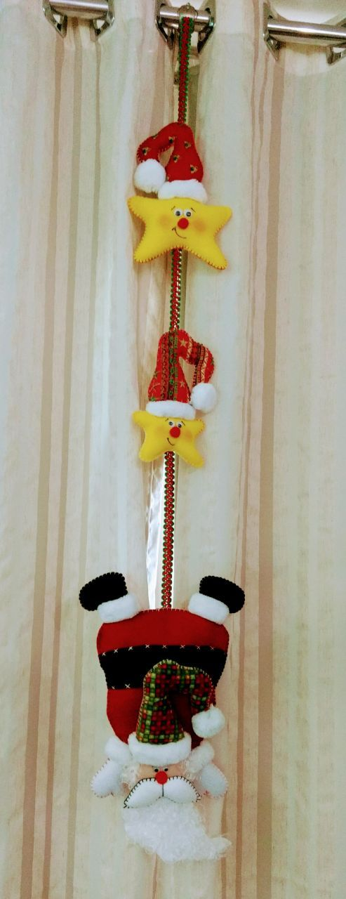 Móbile Papai Noel de ponta cabeça