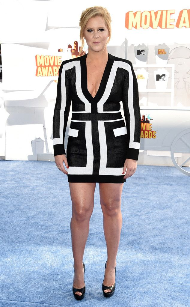 The hostess with the mostess Amy Schumer arrives at the 2015 MTV Movie Awards!