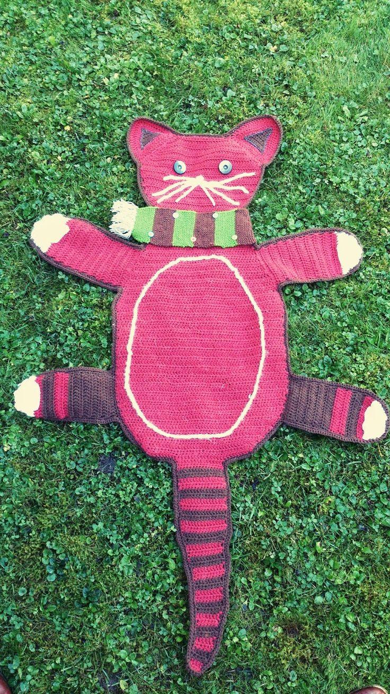 Meine selbstgehäkelte Katzendecke /// My self-crocheted cat's blanket (21.09.14)