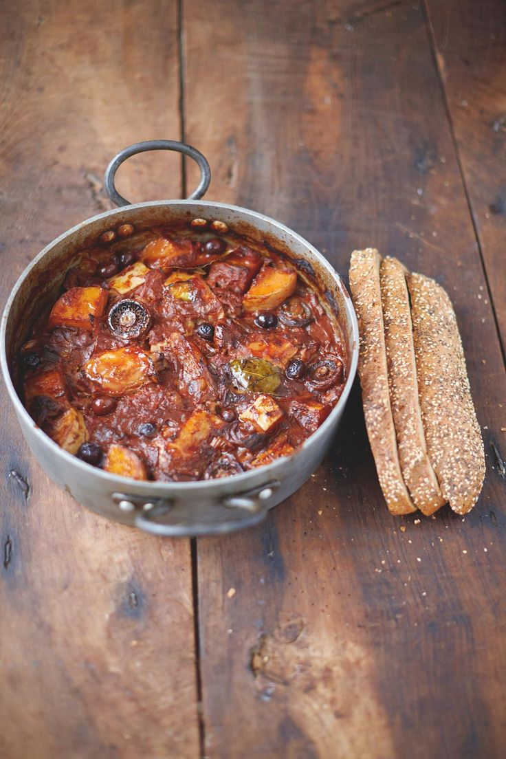 Chicken and Squash (Pumpkin) Cacciatore Mushrooms, Tomatoes, Olives, Bread - The Happy Foodie