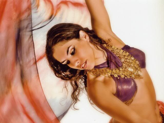 Las danzas tribales-Todo Ocio Las danzas tribales para la armonía de la mujer     Las danzas tribales  orientales se combinan con disciplinas como el tai chi y el yoga para ofrecer un sensual ejercicio dedicado especialmente a la mujer que la ayuda a armonizar todos los aspectos de su ser.     La improvisación y la sinuosidad de la danza tribal árabe e hindú, unida a los beneficios del Pilates y el yoga, entre otras disciplinas, han perfilado la esencia del una danza-fusión que activa el…