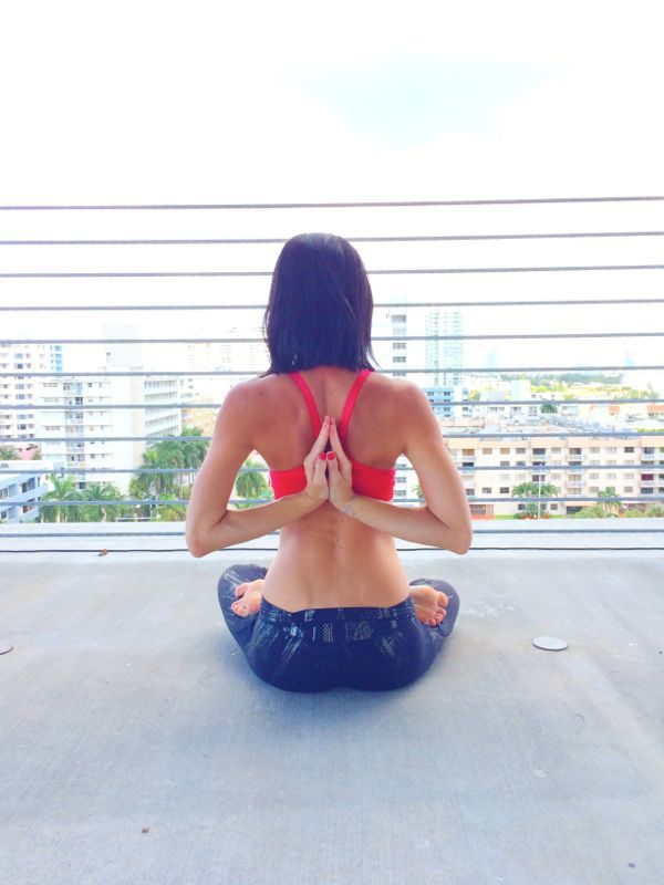 athleta grand opening yoga http://electricblogarella.com/athleta-lincoln-road-athleta-summer-solstace/