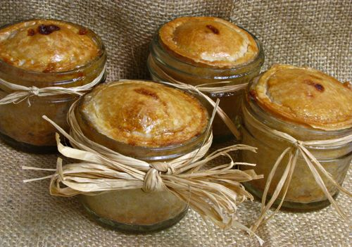 MINI PEACH PIES IN A JAR I love the concept of baking and serving the ...