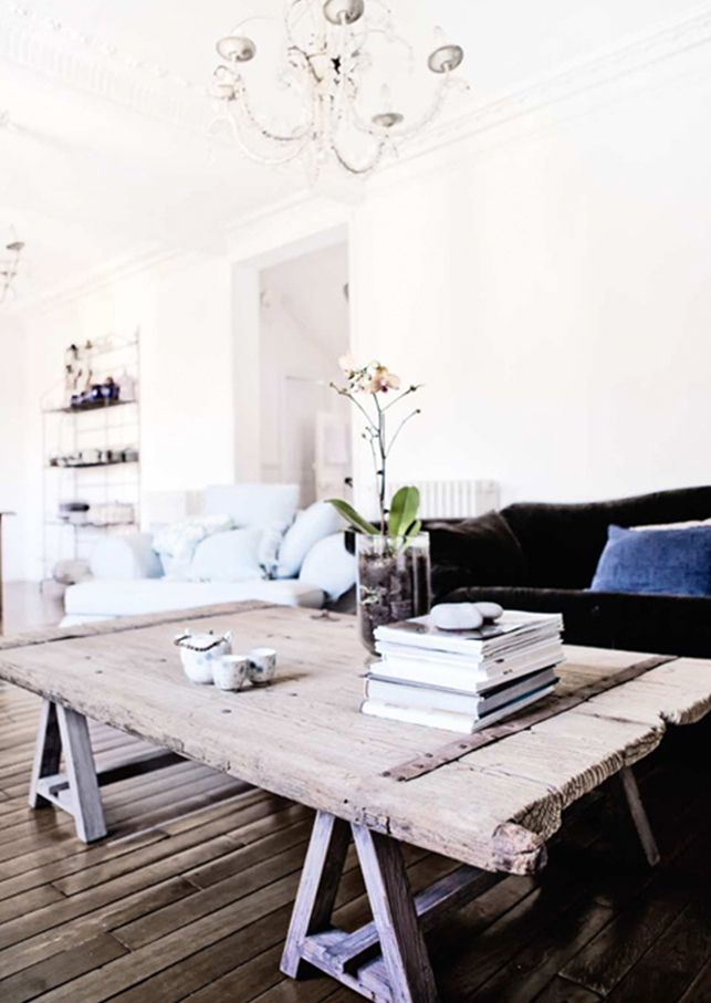 Giv stuen lidt charme og personlig med et unikt sofabord. Vi har fundet 5 flotte borde, som du nemt kan bygge selv...