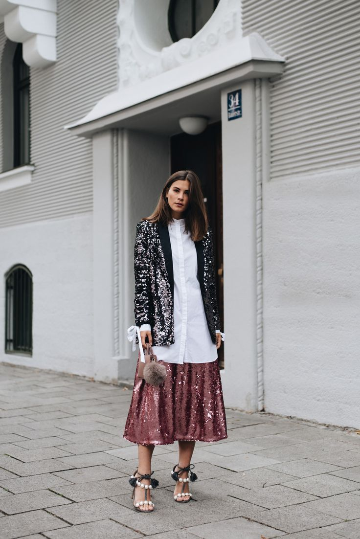 Outfit: Sequins All Over Look | Blazer und Rock - Tried it w/ Pinterest | FashiionCarpet | Fashion blogger