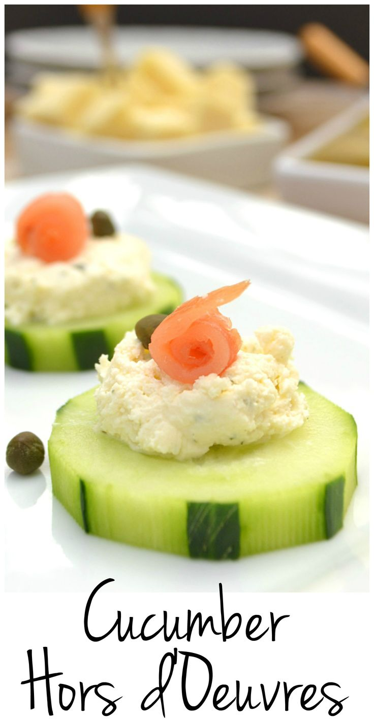Cucumber hors d'oeuvres with Garlic & Fine Herbs Cheese, smoked salmon & capers. Simple, fancy & delicious | #BoursinCheese #ad | www.craftycookingmama.com