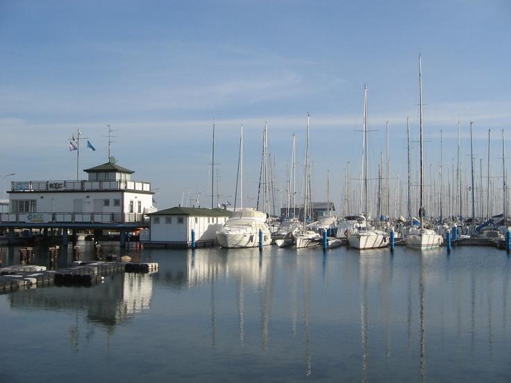 Molo porto turistico, Marina di Ravenna (RA)