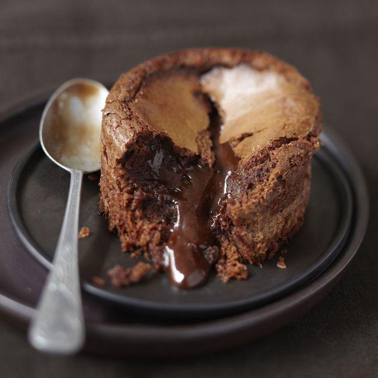 Découvrez la recette Gâteau très moelleux au Chocolat sur cuisineactuelle.fr.