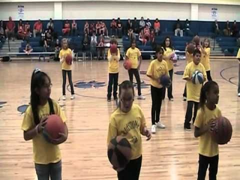 Bland Elementary kidSTomp Basketball half time routine ...