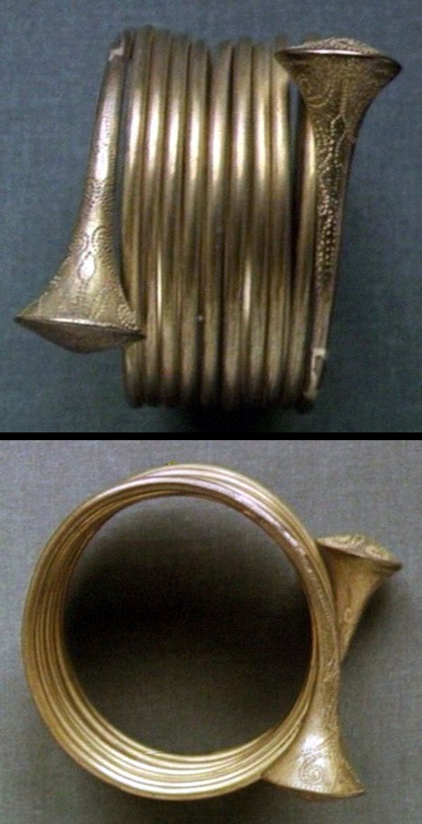 Nagaland ~ Northeast India | Brass bracelet much resembling gold armillus of bronze age. Made in India for the Nagas | ca. 1922/23
