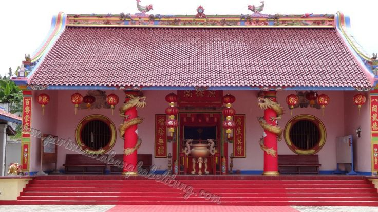 Kelenteng Kong Fuk Miau kota Muntok menjadi bukti wisata sejarah Bangka Barat nyang menggambarkan nilai kerukunan hidup tanpa membedakan apa dan siapa kita.