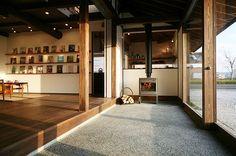 古くて新しい土間空間。いろんなモルタル仕上げで使い方も色々楽しい土間11選 - ⒑ 寛ぎの空間 - http://iemo.jp/17338