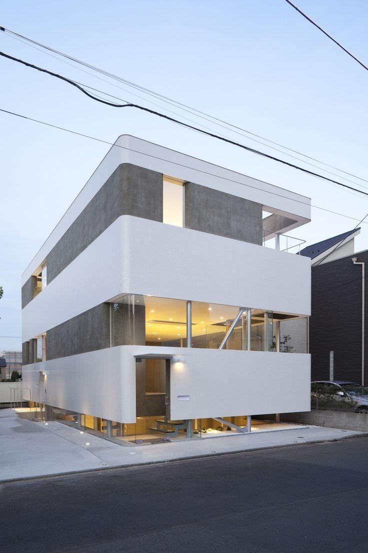 Plastic Moon   Architect: N Maeda Atelier