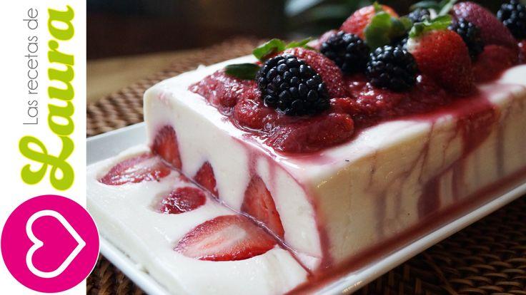 Gelatina de Yogurt con Salsa de Fresas♥Yogurt Jello with Strawberry Jell...Sí, la hice, y no la pude sacar del molde :¨( aunque de sabor muy buena y ligera...