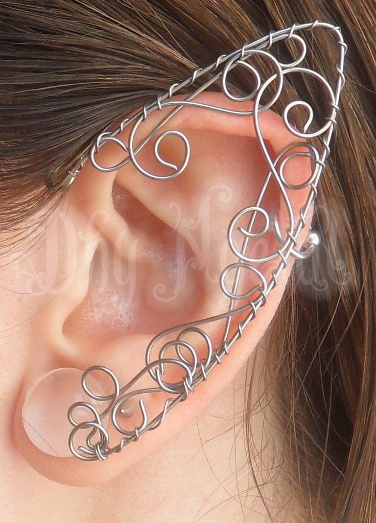 Dhy Ngetal - elf ear,orelha de elfo,elfo,fada,magic,bruxa,senhor dos anéis,hobbit, casamento,celta,viking,antiguidade,arame,ear cuff,elven,wicca,strega fashion,game of thrones, vikings,brumas de avalon, cristal,crown,medieval,elven crown,burning man, withcraft, Harry Potter, wire,jewelry, arvore da vida,tree,prata,jovem nerd,tolkien,jk rowling, renaissance, festival,tathariel,viking queen,tribal,Dhy Ngetal,forest,green,elven kingdom,alternative,coroa,wedding,viking knit,thor…