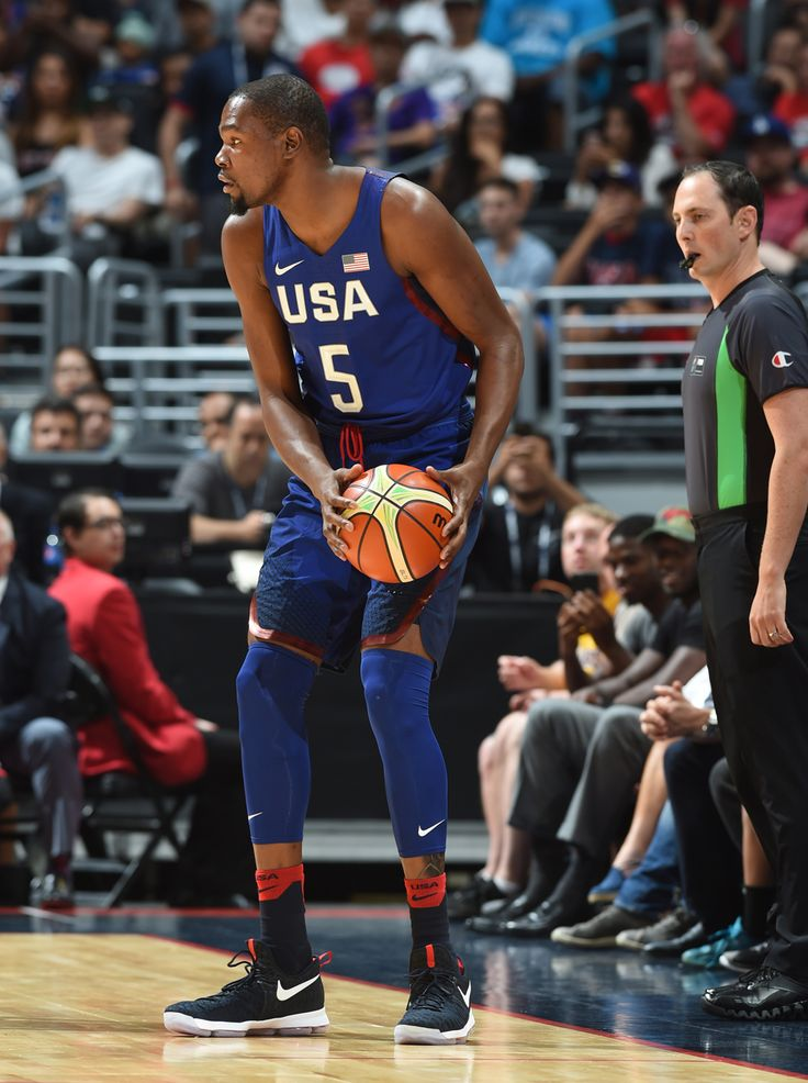 LOS ANGELES, CA - JULY 24: Kevin Durant #5 of the USA Basketball