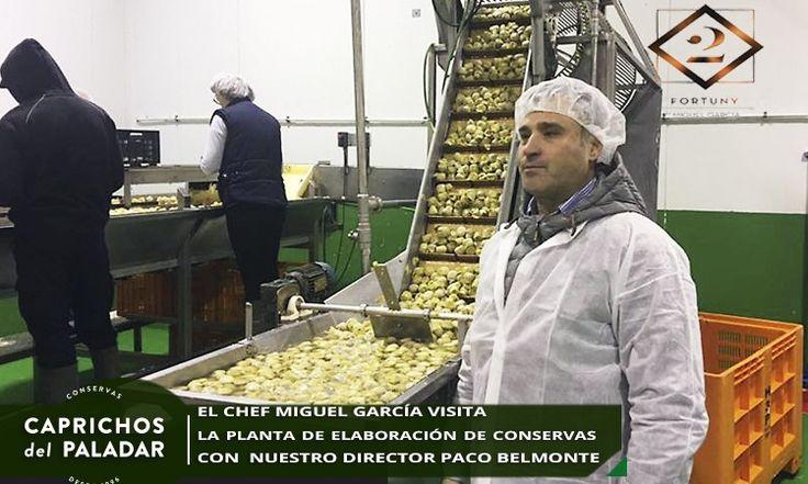 El Chef  Miguel García visita a los campos de cultivo e instalaciones de Caprichos del Paladar
