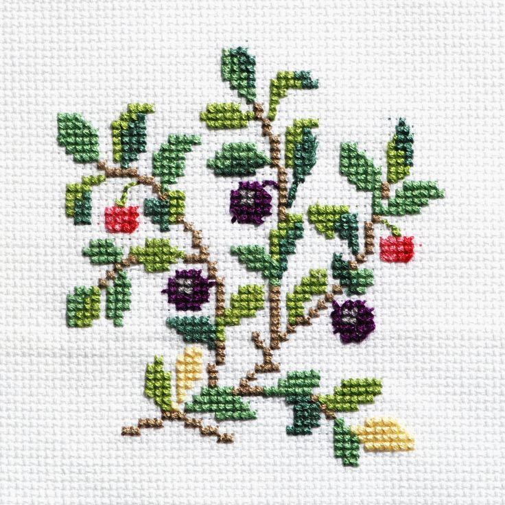 mar062009_ilamae-berry-embrodery_bilberry_-crop_0008-copy.jpg (2100×2100)