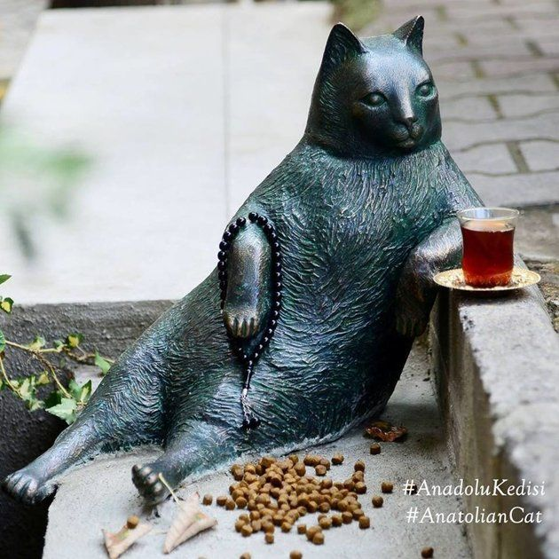 Famously Chill Cat Memorialized With Her Own Statue The world fell in love with Tombili, and now they'll never forget her.