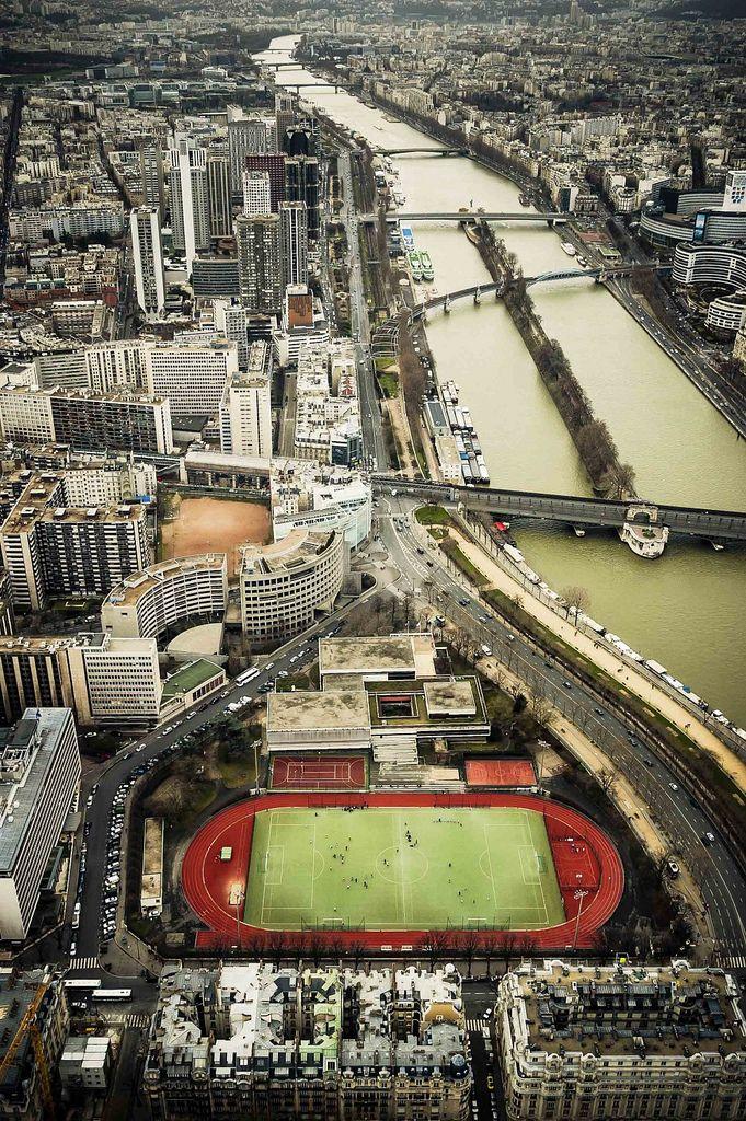 Cancha de fútbol en Paris, vista desde la Torre Eifel
