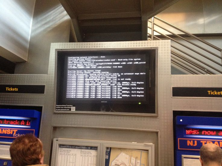 New York Newark Airport EWR Terminal C arrive from mon rail 26 October Windoze fail
