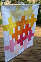 Quilt Story 'positivity quilt' by Cinzia from Deux petites sourisPositive Quilt, Petite Souris, Beautiful Quilt, Stories Positive, Positve Quilt, Deux Petite, Quilt Stories, Modern Quilt, Crosses Quilt