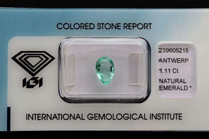 Smaragd - 111 ct  PEAR gemengd Cut - IGI CertificaatSoorten: natuurlijke Beryl met IGI certificaatVerscheidenheid: Natuurlijke EmeraldVorm: Gemengde Pear Cutkleur: blauwachtig groenTransparantie: Transparant Naturel Inbegrepen patroonGewicht: 1.11ctOorsprong: Advies van herkomst ColombiaMeting: 8.99 x 5.87 x 3.26 mmOpmerkingen:  Enchanted  natuurlijke diamanten worden meestal verrukken(transparantie van kloven)IGI reportnr: 239605215Kijk voor meer informatie het rapport Igi op de Igi…