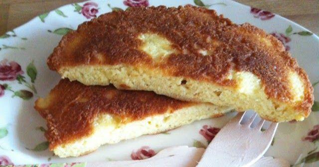 Hola amigos! Esta mañana buscando recetas para desayunar cuyos ingredientes fuesen huevos y almendras encontré una en esta web !!     La ve...
