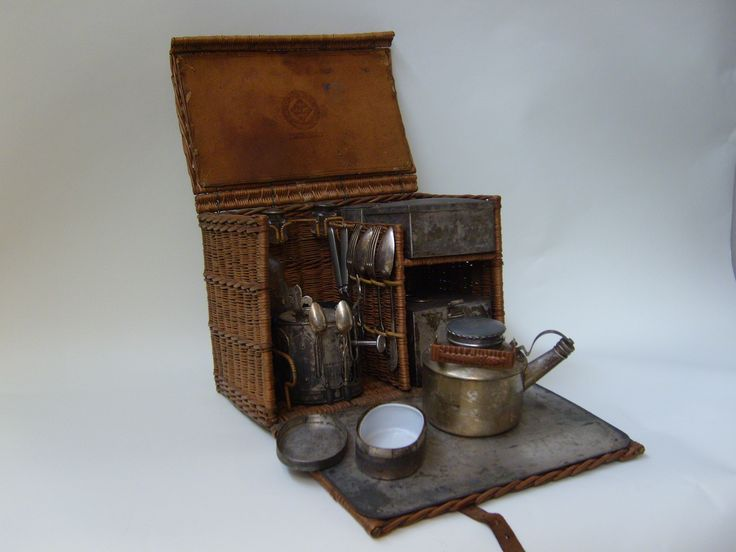 Tea-making picnic set, circa 1905 Made by Drew and Company of London, this picnic basket with tea-making equipment basket was called the 'En-Route.' It was designed for use during day trips to the countryside.  (MERL/2009/41)