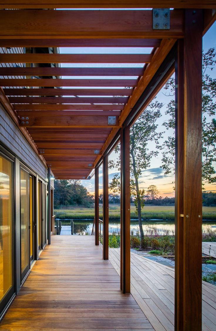 The best sustainable woods for exterior siding and decking - A New Home On The Intracoastal Waterway By Gardner Architects