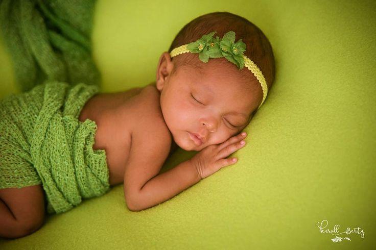 Dueña de mis días y mis noches! Disfruto vigilar tu  sueño mi pequeña valiente de la vida. #PrincesadeDios #MiModeloFavorita #babyLaia #RegalodeDios #mamafotografa #newborn #newbornsesion #bebes #reciennacido  #fotografiadebebesvalledupar #fotografiadereciennacidos #bebescolombia #mamaprimeriza #mamadeunprematuroblog #momblogger #momblog #bebe #33semanas