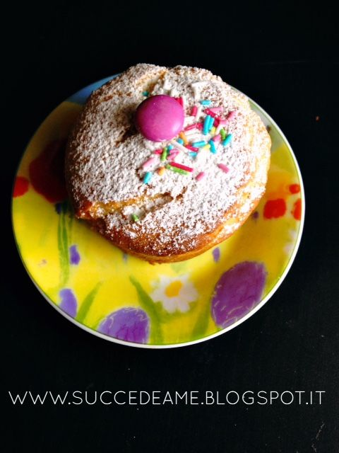 Peanut butter cupcakes. So good. http://succedeame.blogspot.it/2015/02/cupcakes-al-burro-darachidi.html