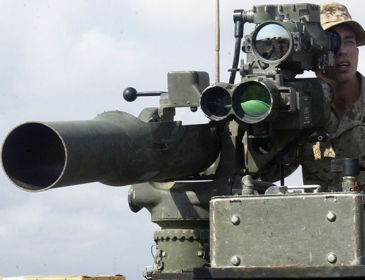BGM-71 TOW Missile US arms Syrian rebels with first heavy weapons, anti-tank BGM-71 TOW missiles - raising war stakes http://www.debka.com/article/23827/US-arms-Syrian-rebels-with-first-heavy-weapons-anti-tank-BGM-71-TOW-missiles---raising-war-stakes