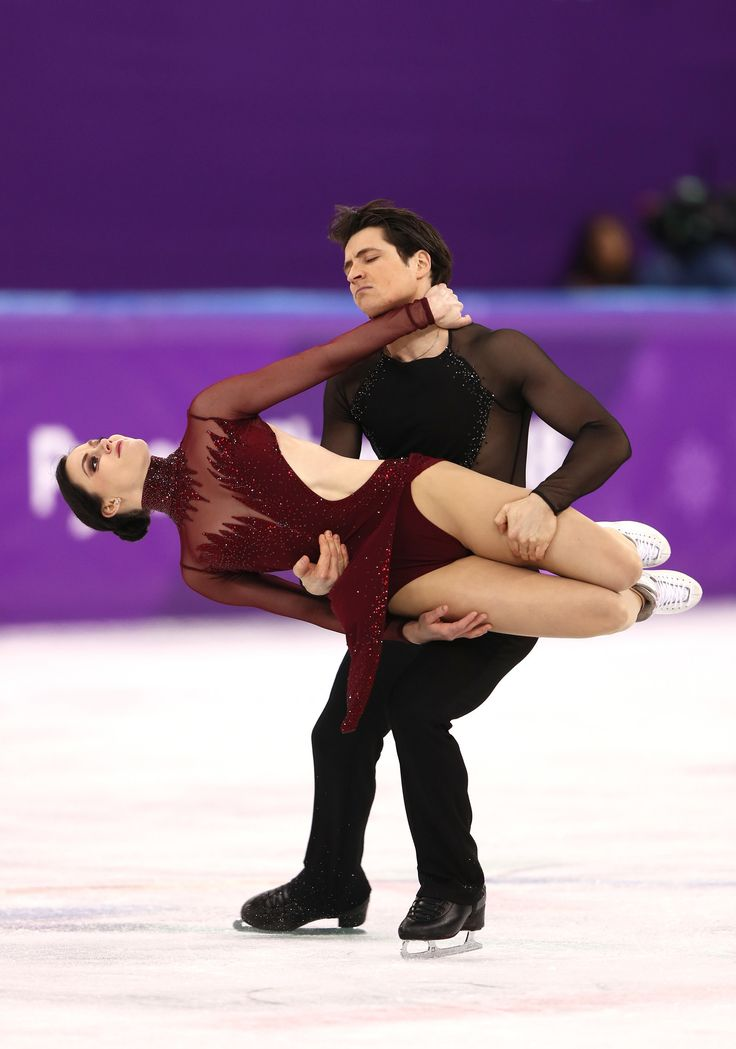 21 Photos Of Tessa Virtue And Scott Moir Figure Skating That Will Make You...Feel Stuff