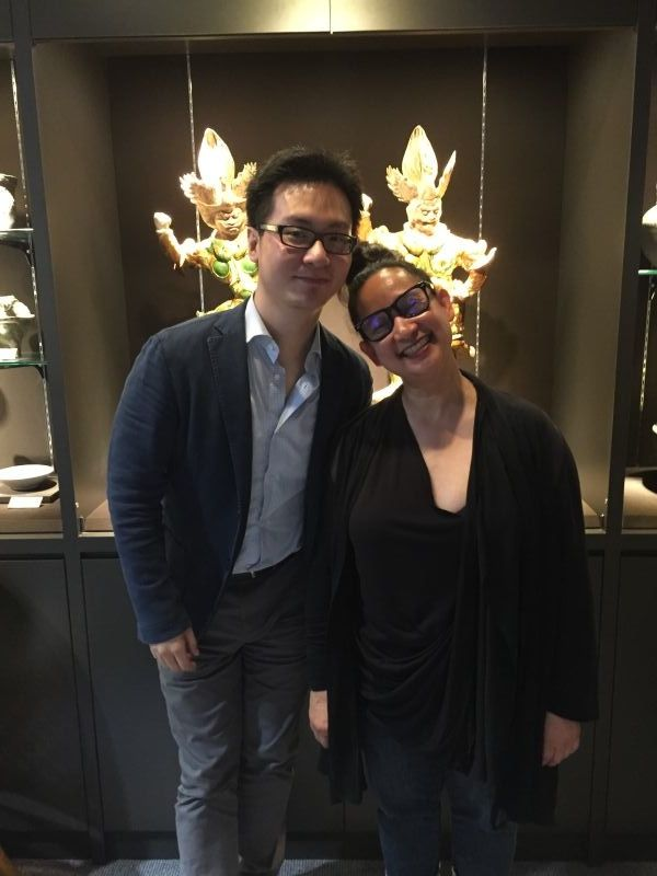 Alumnus David Chiu and Programme Director Nixi Cura at David Chiu's gallery Qianlong Ge Oriental Art Ltd., Taipei, 4 Jun 2016. Photo courtesy of Nixi Cura